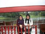 Camila Gui Rosatti e Larissa Alves de Lira no parque Bois de Bologne - Université Paris IV Sorbonne (França)